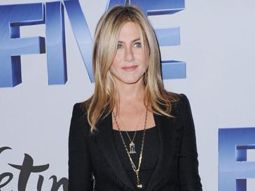Тело Дженнифер Энистон (Jennifer Aniston) хотели бы многие клиентки пластических хирургов