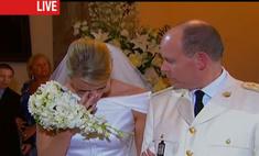 Новобрачная принцесса Шарлен не сдержала слез
