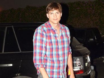 Эштон Катчер (Ashton Kutcher) хочет получить больше денег при разводе