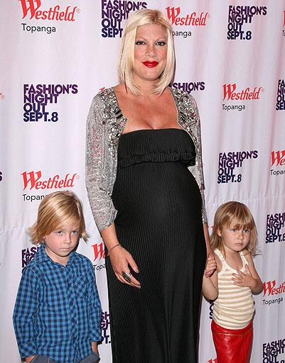 Тори Спеллинг (Tori Spelling) с детьми