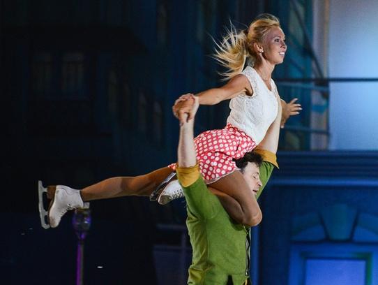 Татьяна Тотьмянина, Максим Маринин, ледовое шоу-мюзикл Огни большого города