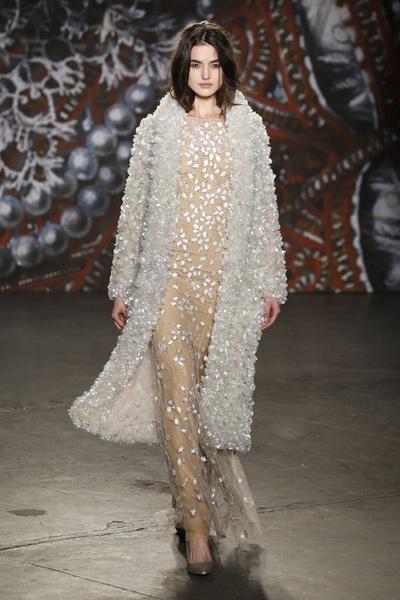 Самые роскошные вечерние платья Недели моды в Нью-Йорке | галерея [2] фото [1]