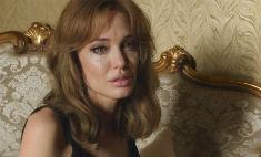 В шаге от развода: Джоли получила единоличную опеку над детьми