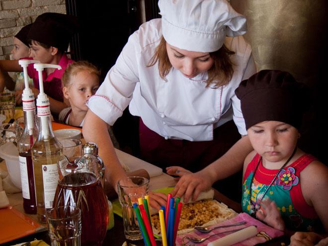 Чем занять ребенка на каникулах в Астрахани