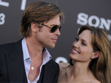 Бред Питт и Анджелина Джоли вместе переживают скандалы