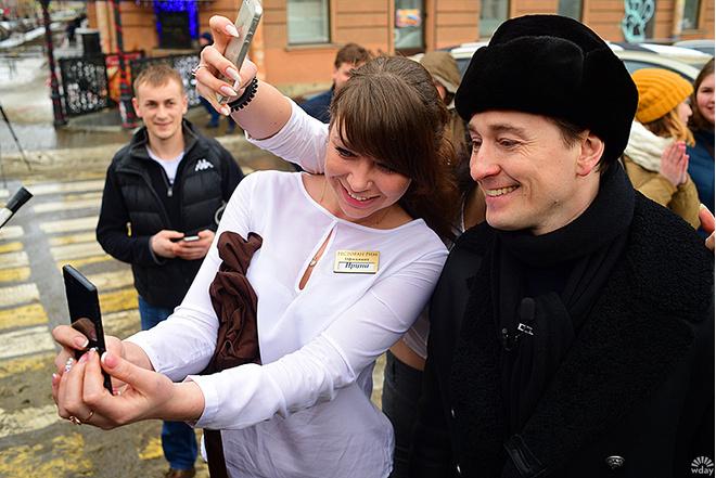 Сергей Безруков провел экскурсию по гоголевским местам Петербурга: фото, подробности
