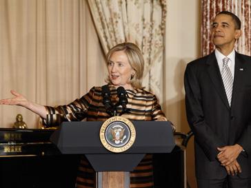 Барак Обама (Barak Obama) и Хилари Клинтон (Hilary Clinton) остаются самыми популярными политиками Америки на протяжении нескольких лет