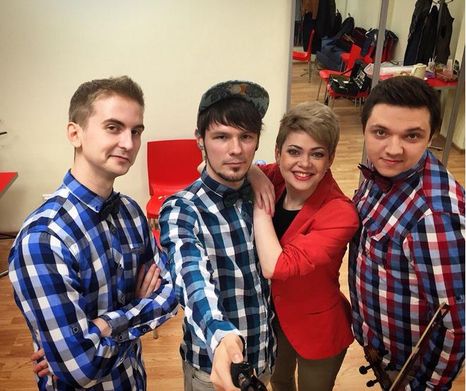 Уличные музыканты спели песню про Путина