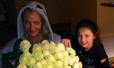 Анастасия Волочкова празднует 38-летие с дочерью