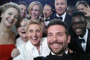 Сэлфи на церемонии вручения премии «Оскар» 2014 года. Только за первый час после публикации его просмотрели почти полтора миллиона раз. В кадре Эллен Дедженерес, Брэдли Купер, Брэд Пита, Мэрил Стрип, Джулия Робертс, Дженнифер Лоуренс, Кевин Спейси и Андже