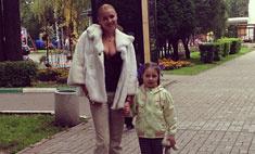 Волочкова покатала дочь на опасном аттракционе