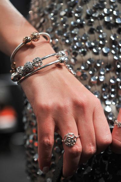 В СВОИХ РУКАХ: Как правильно носить браслеты   галерея [1] фото [1]