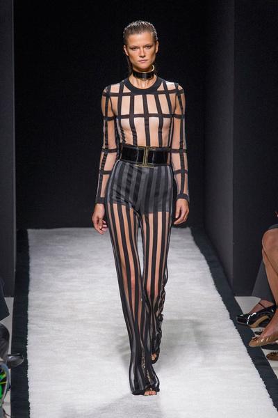 Показ Balmain на Неделе моды в Париже