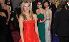 Дженнифер Энистон заказала свадебное платье у Valentino