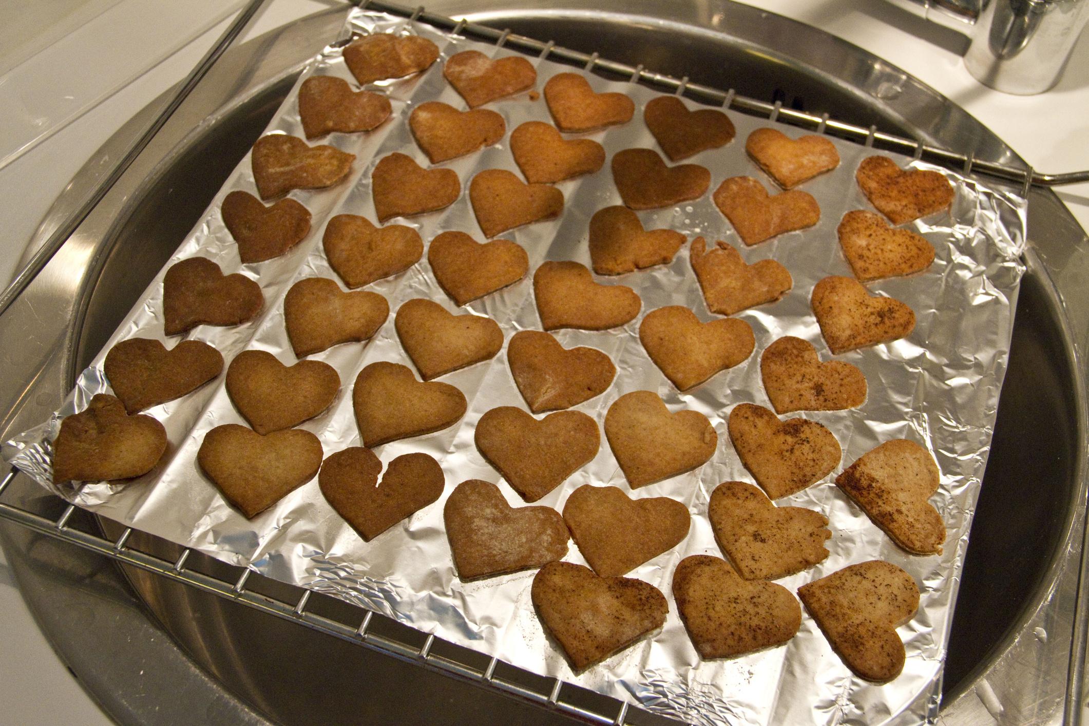 Печенья из дрожжевого слоеного теста пошагово в
