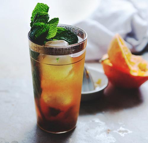 Чайный коктейль с цитрусом и мятой