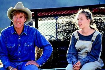 Скарлетт Йоханссон (Scarlett Johansson) и Роберт Рэдфорд (Robert Redford) в фильме «Заклинатель лошадей»