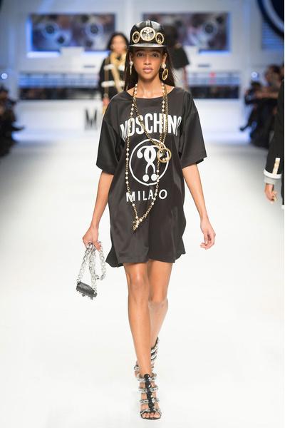 Показ Moschino на Неделе моды в Милане | галерея [4] фото [17]