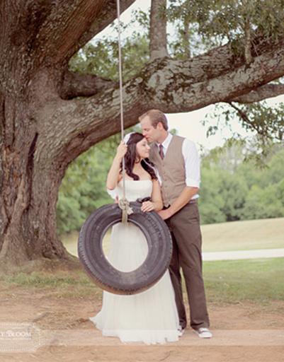 Героями свадебной фотосессии могут стать воспоминания детства.