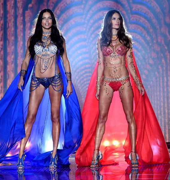 Адриана Лима и Алессандра Амбросио на Victoria's Secret Fashion Show 2014