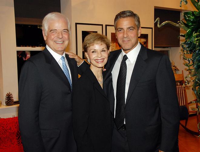Отец Джорджа Клуни сказал, накого схожи его новорожденные двойняшки