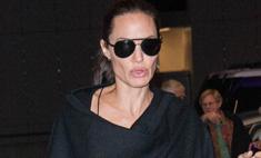 Анджелина Джоли прячет худобу под балахоном