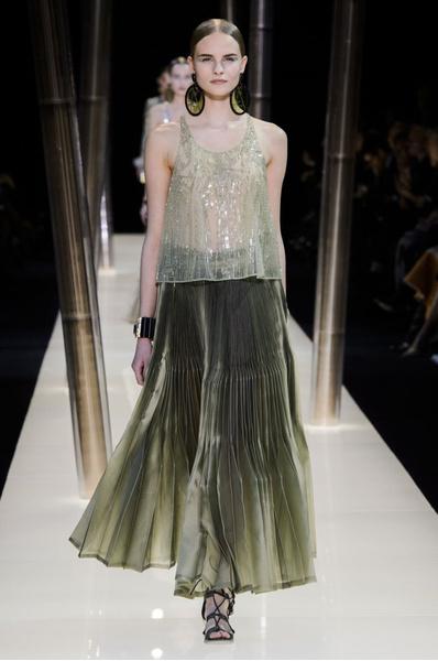 На Неделе высокой моды в Париже прошел юбилейный показ Giorgio Armani Prive | галерея [1] фото [12]