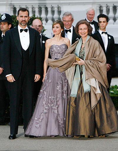 Австрийские принц Фелипе, принцесса Летиция и королева Испании София.