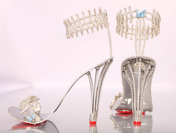 Бриллиантовые туфли от House of Borgezie