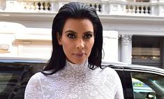 Ким Кардашьян вновь забыла надеть белье