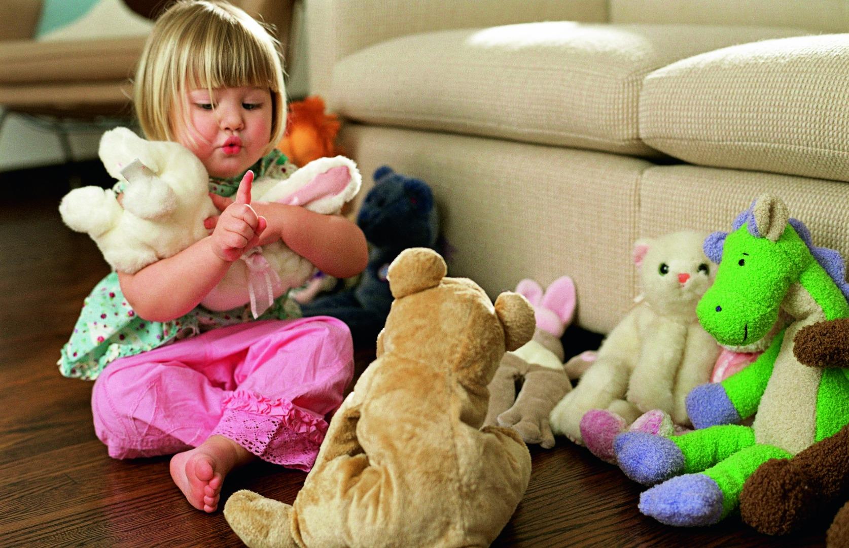 Кукла или мишка? Что расскажет о ребенке его любимая игрушка