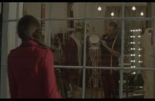 Кадр из праздничного видео Debenhams