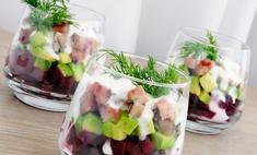 Полезный овощной салат слоеный
