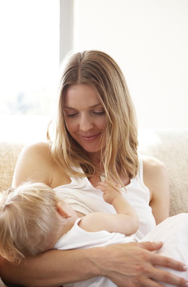 как понять что ребенку не хватает молока