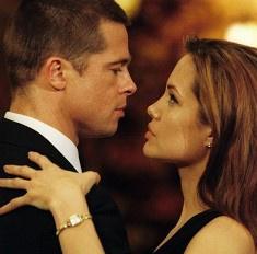 Джоли бросила Питта ради женатого миллиардера