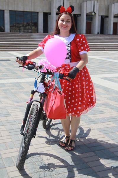 Девушки на велосипедах Казанский велодевичник