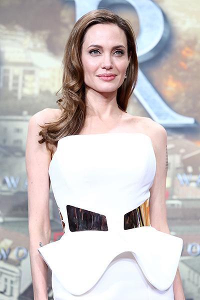 Недостатки звезд: Анджелина Джоли