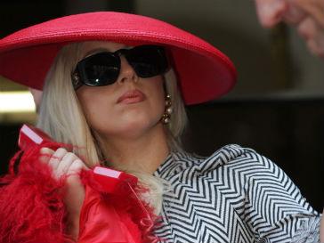 Леди ГаГа (Lady GaGa) выступила против Lady Goo Goo