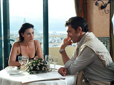 Малышка Леони - вторая дочка Моники Беллуччи (Monica Bellucci ) и Винсента Касселя (Vincent Cassel)