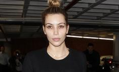Ким Кардашьян гуляет без макияжа