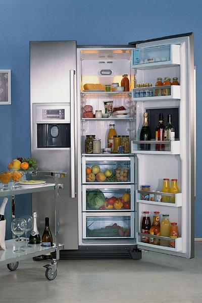 Холодильник Side-by-Side KAN 60A40 (Bosch), 76 000 руб. Оснащен двумя компрессорами, имеет полезный объем 504 л.