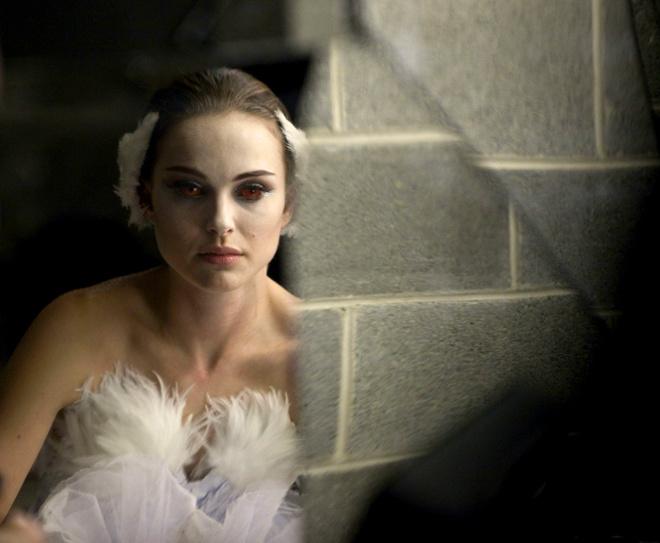 Интересно, на премьеру в Венеции Натали Портман сделает такой же экзотический макияж, как и в фильме?