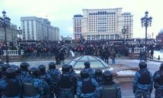 Футбольные фанаты устроили многотысячные митинги в Москве и Петербурге