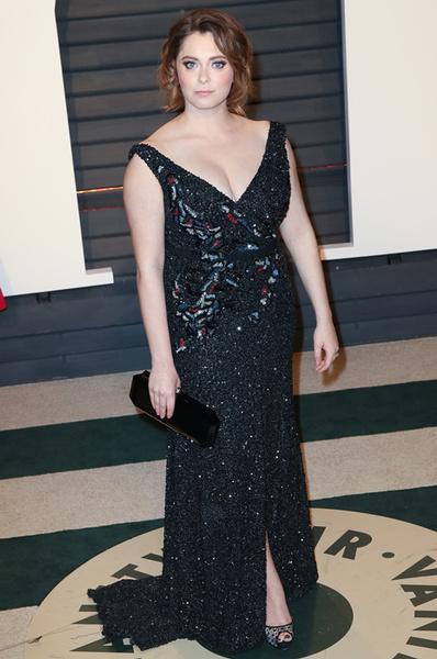 Актриса рассказала, что дизайнеры отказываются одевать пышек