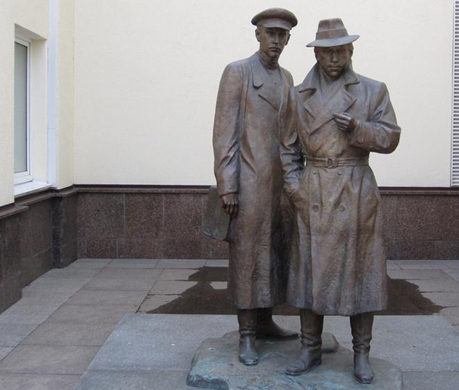 памятники Волгограда, Глеб Жеглов и Володя Шарапов
