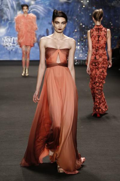 Самые роскошные вечерние платья Недели моды в Нью-Йорке | галерея [3] фото [12]