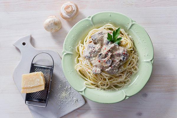 Спагетти с печенкой в сливочном соусе