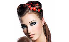 Яркий макияж: как не перейти тонкую грань от стиля к безвкусице?