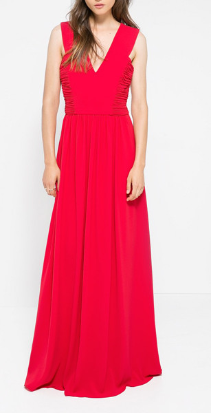 Красное платье с драппировкой