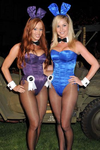 И сегодня девушки в пикантных нарядах сопровождают лучшие мужские мероприятия.